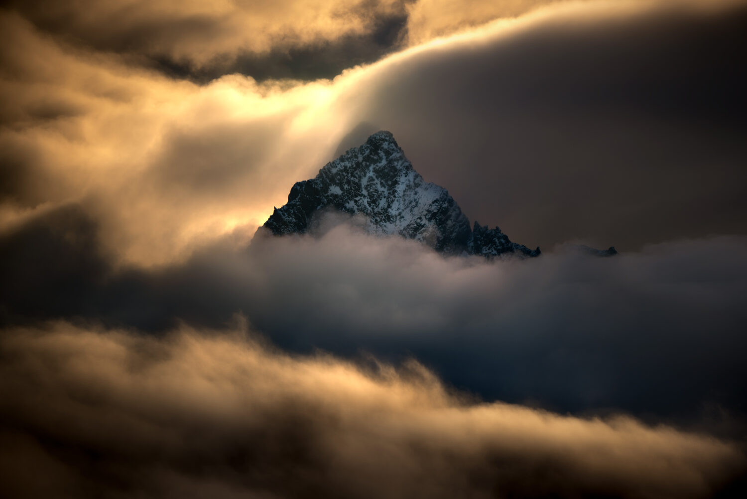 Mountain above the cloud