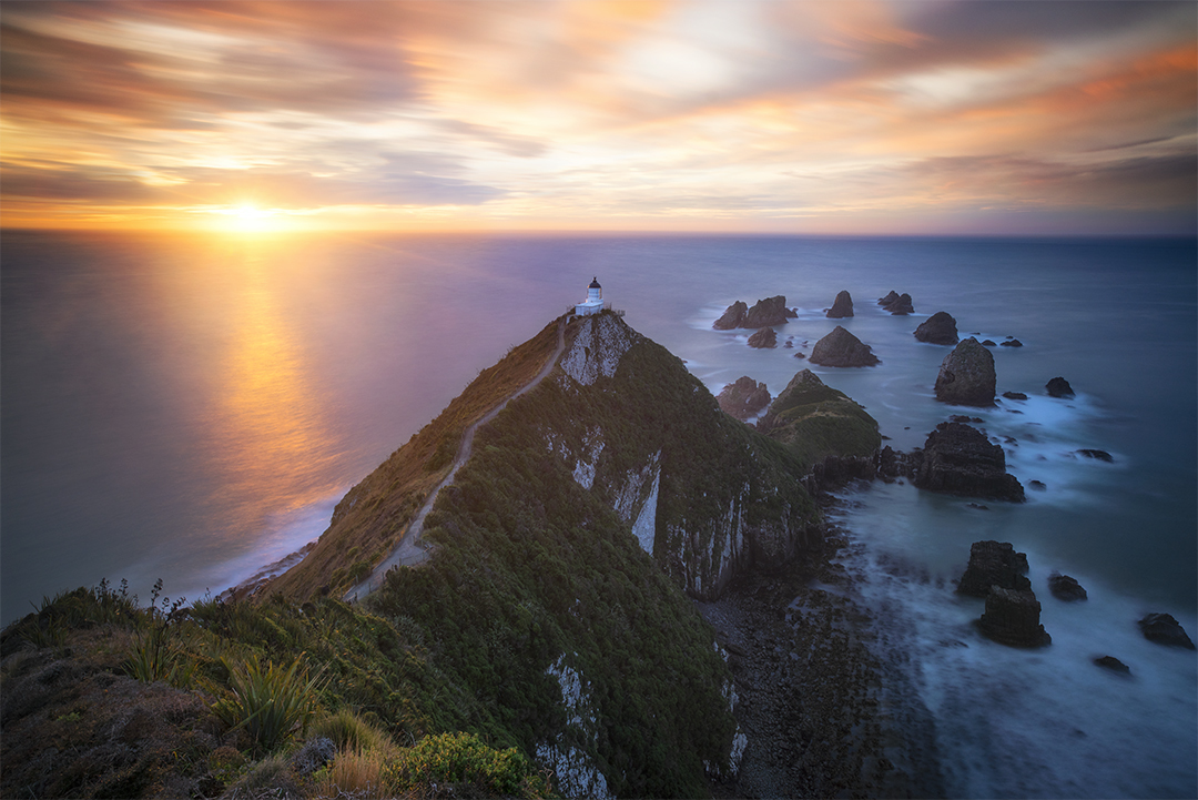 Sunrise by the Nugget Point lighthouse