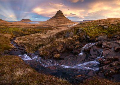anticrepuscular rays, Kirkjufell Iceland