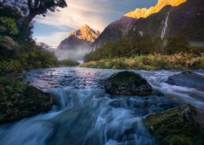 Mount-Tutoko-River-Fiordland