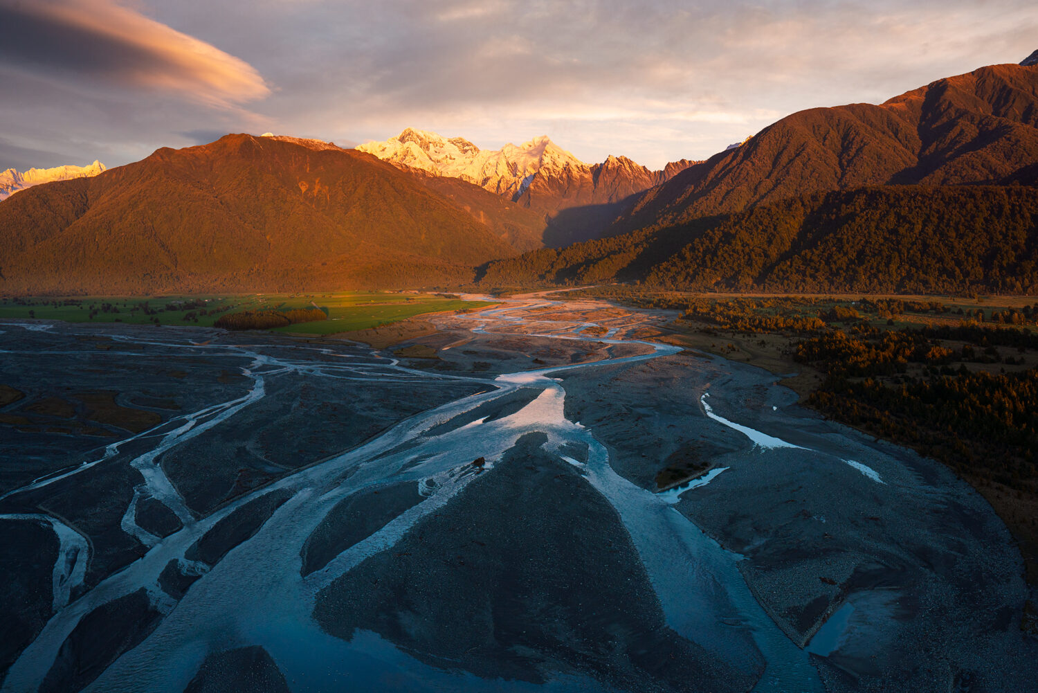 River braids leading to Mount Cook