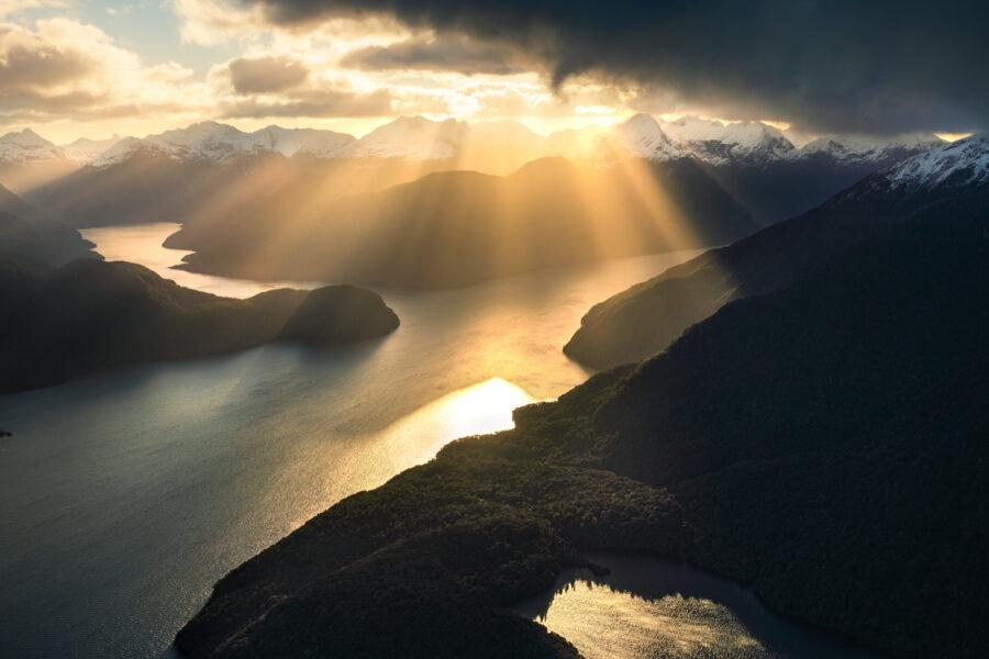 North arm, lake Te Anau with sun rays