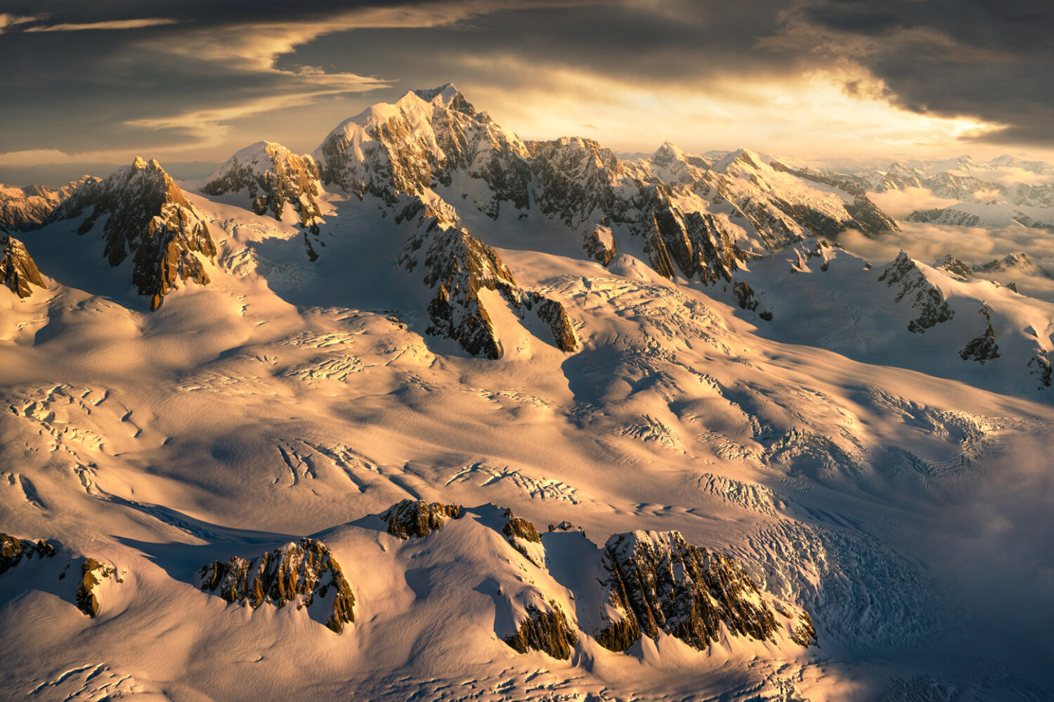 Mount Tasman and Mount Cook, Fox Neve New Zealand. Photography by William Patino.