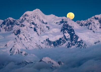 Moonrise, Mt Tasman New Zealand
